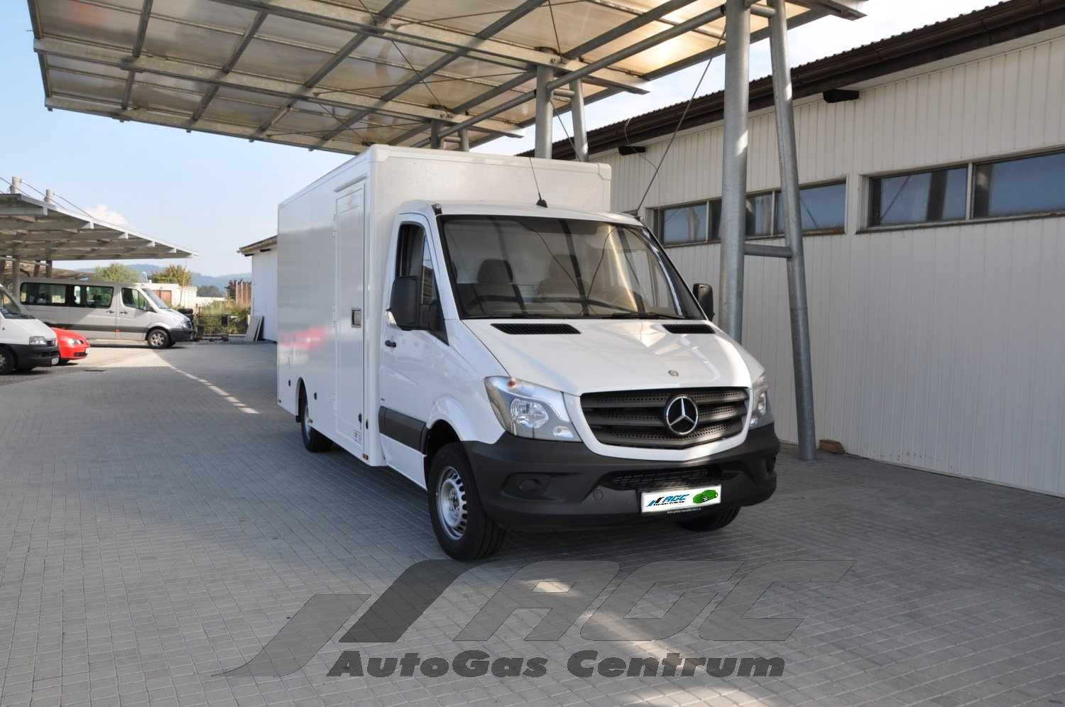 Conversion lpg mercedes benz sprinter 1 8 mercedes for Mercedes benz sprinter conversion